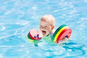 Babyswimming.jpg